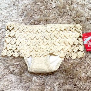 NWT Beauty & the Beach crochet skirted bikini XL